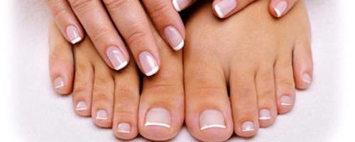 des ongles de pieds sans champignons